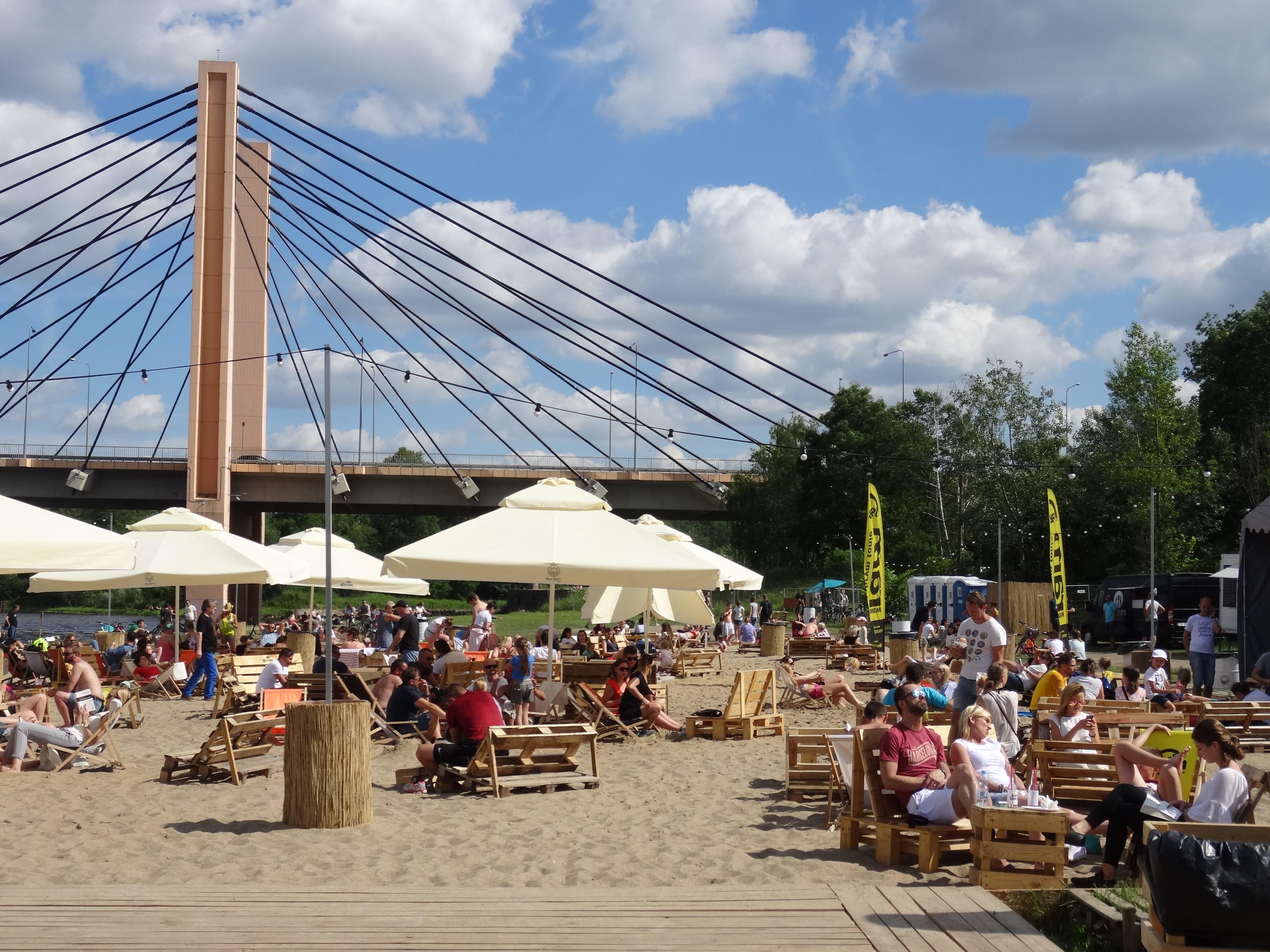 HotSpot Wrocław plaża miejska most milenijny