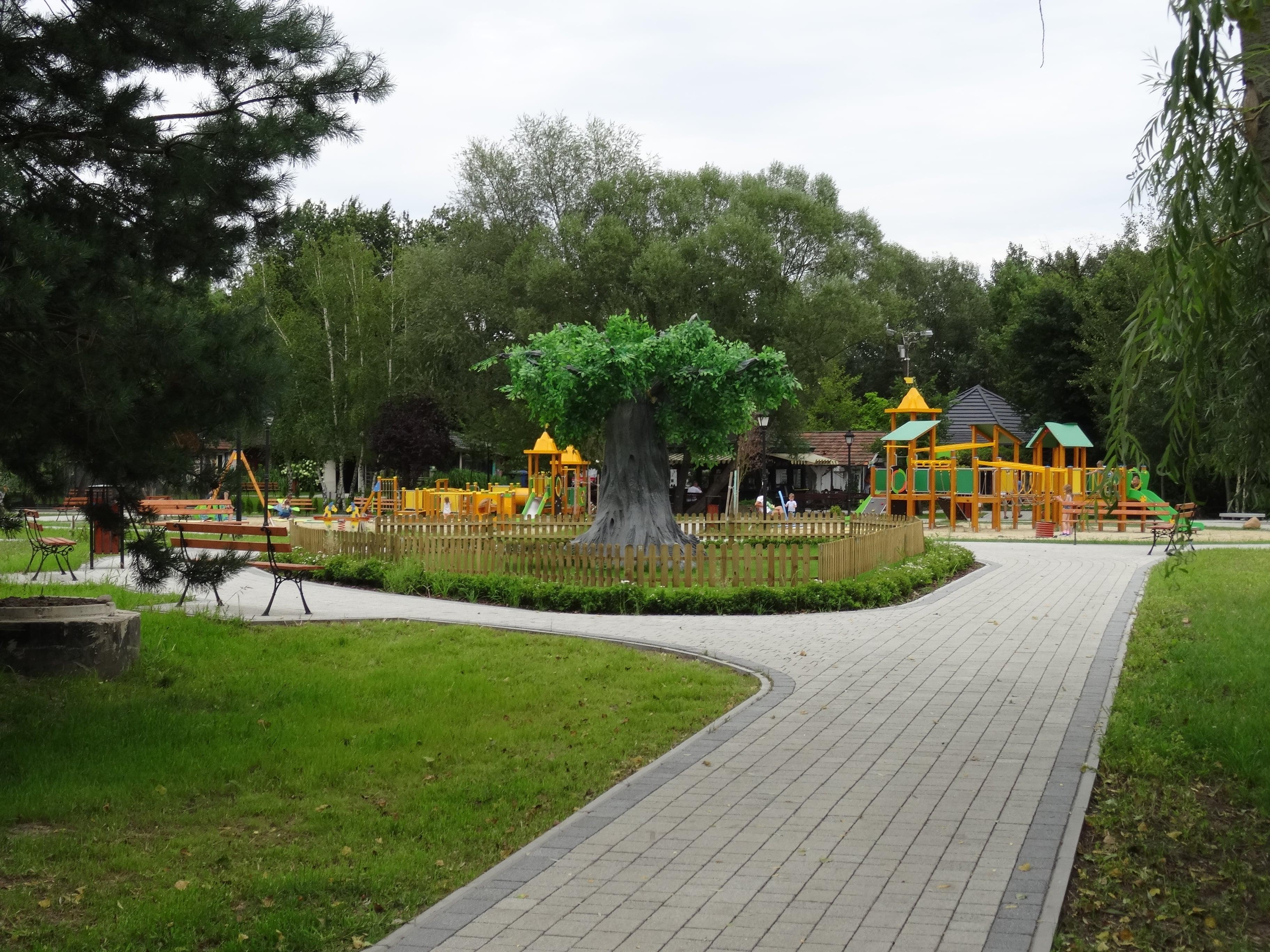 zielona-oliwka-plac-zabaw