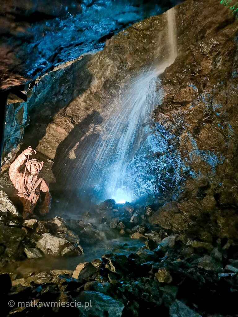 podziemny-wodospad-kopalnia-zlota