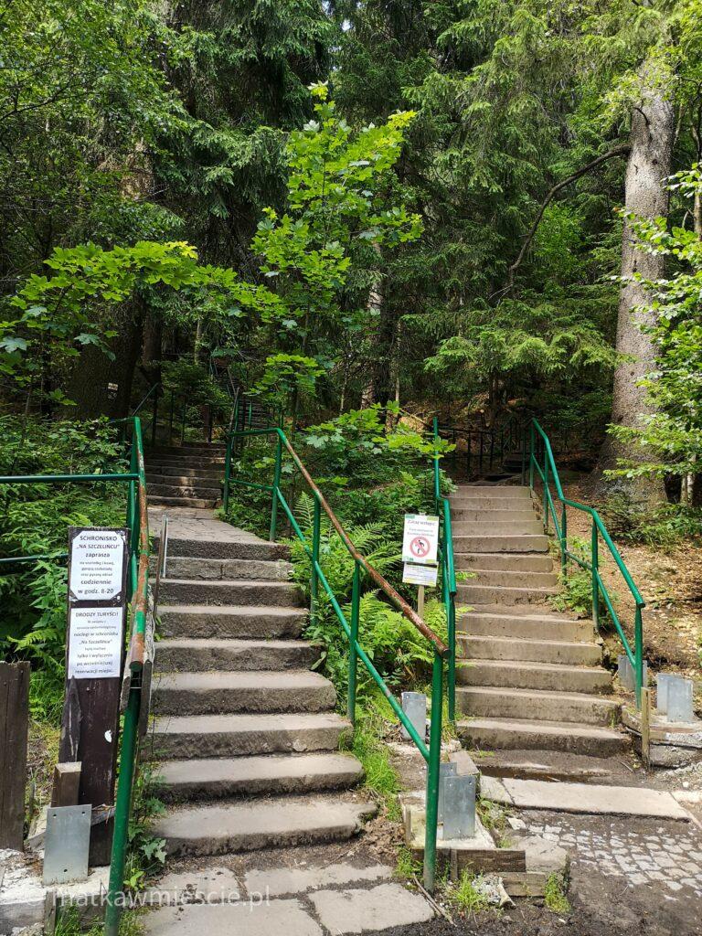 szczeliniec-schody
