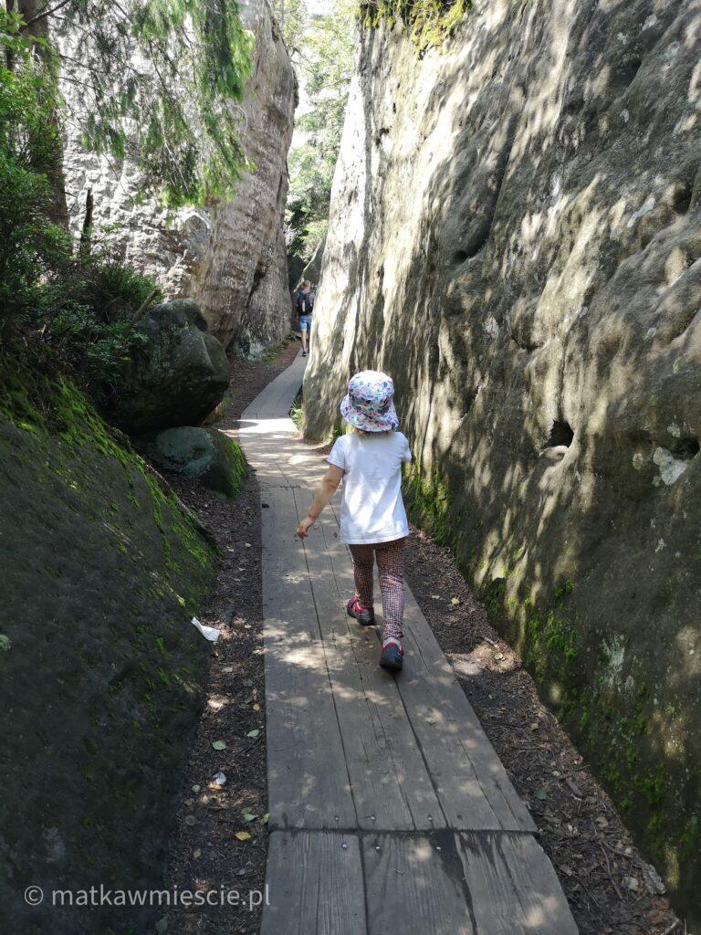 skalny-labirynt-korytarz