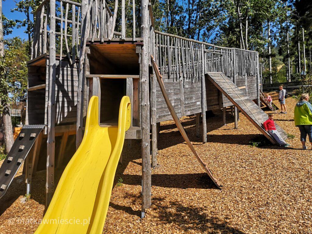plac-zabaw-drewniana-konstrukcja