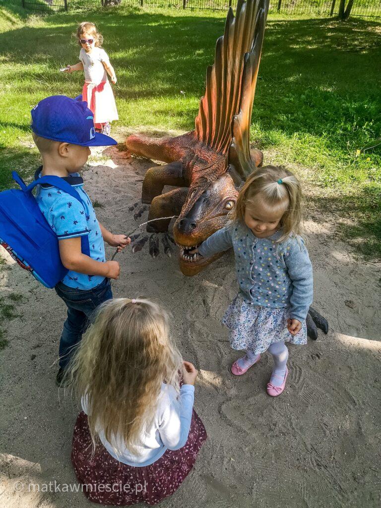 dzieci-dinoozaury