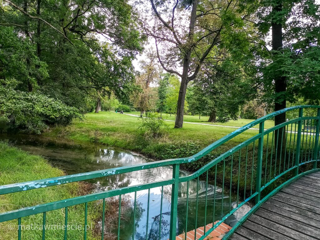 mostek-w-parku-w-leśnicy