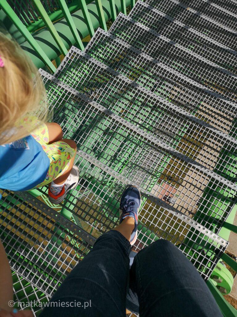 schody-zejscie-z-wiezy