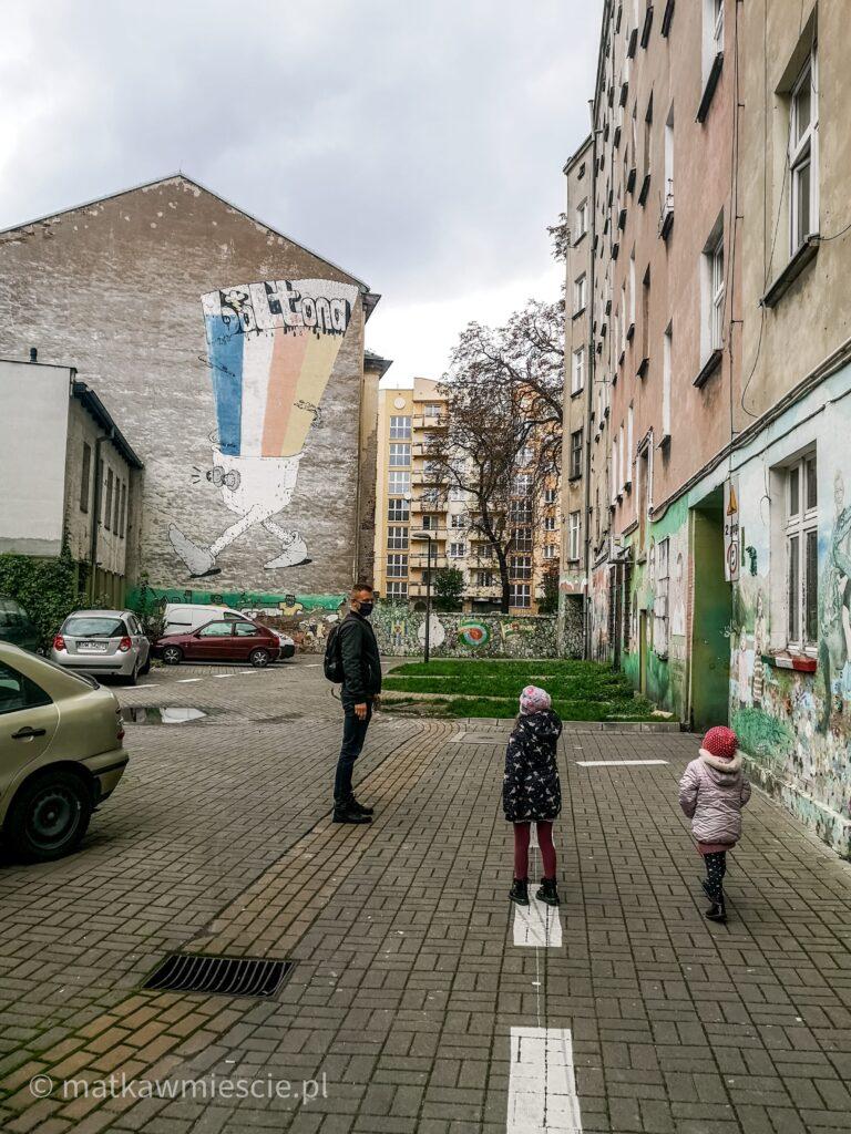 podwórko-ulica-roosevelta