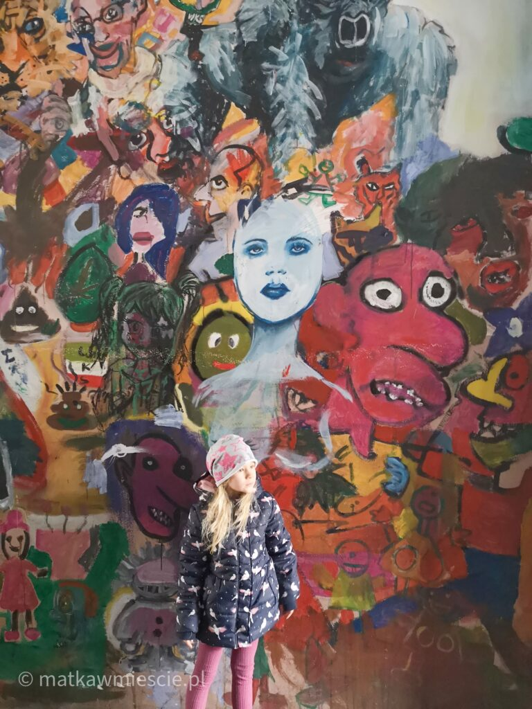 mural-kolorowe-podwórka