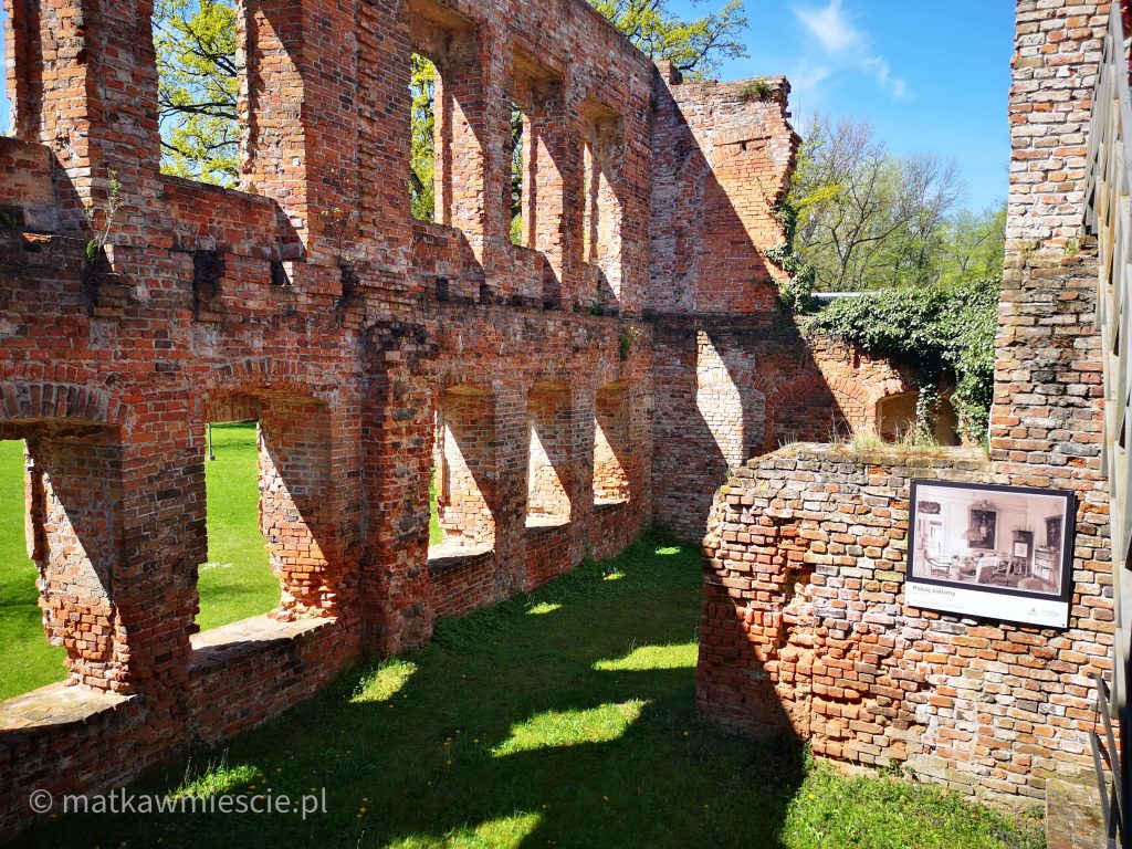 ruiny-w-żmigrodzie
