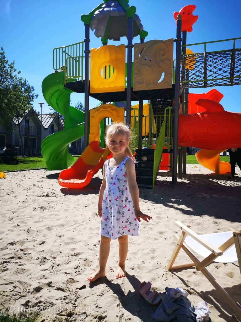 holiday-park-plac-zabaw-piasek