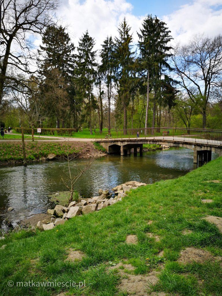 mostek-rzeka