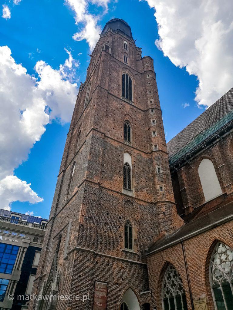 wieża-kościoła-garnizonowego